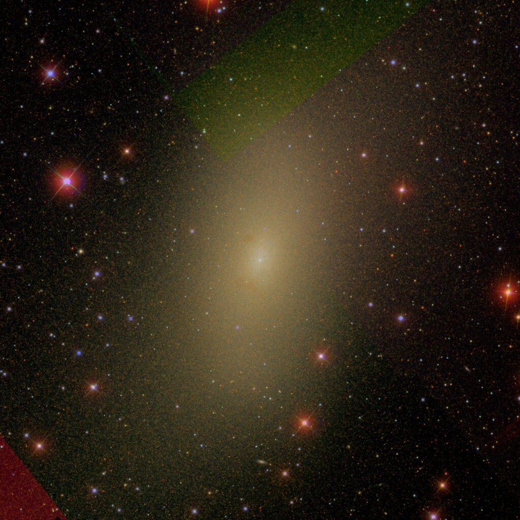 Eine Aufnahme der M110 Zwerggalaxie, welche einen Kernsternhaufen in ihrer Mitte enthält.