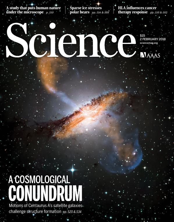 """Titelblatt des Science Magazins zeigt die elliptische Galaxie Centaurus A mit der Unterschrift: """"A cosmological conundrum""""."""