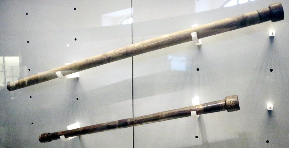 Zwei der Teleskope von Galileo galilei
