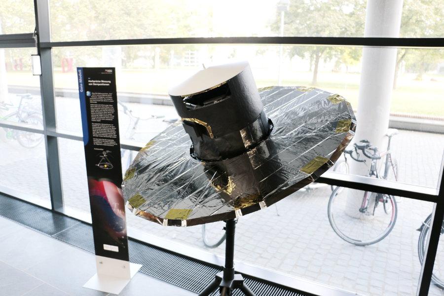 """Gaia-Modell in der Ausstellung """"Einstein inside"""""""