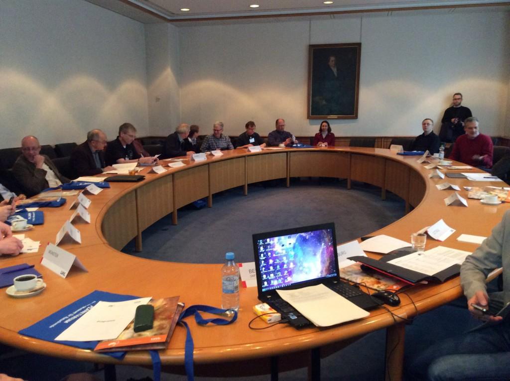 AG Planetariumsleitungen: ein Bild wie bei einer Sitzung von Vertretern der Föderation der Planeten. :-) credit: Dr Monika Staesche