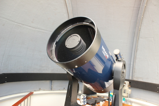 MEADE LX200 Spiegelteleskop.