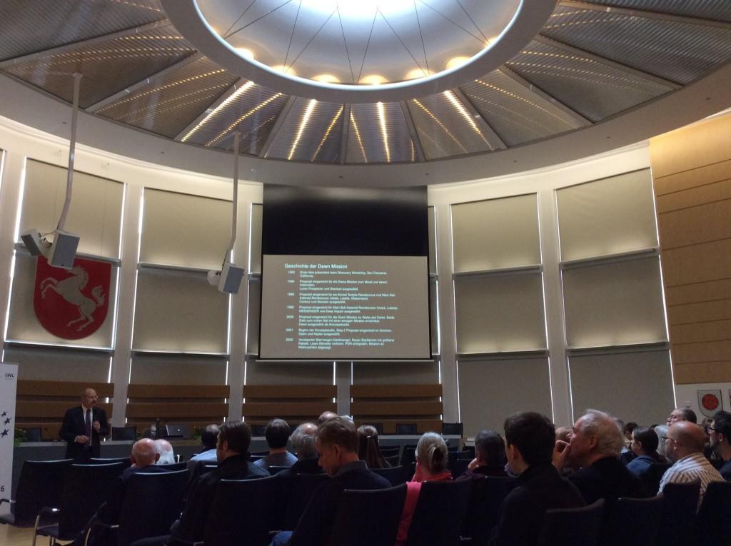 Eröffnungsvortrag im Plenarsaal des LWL-Hauses in Münster. [Foto: Dr Monika Staesche]