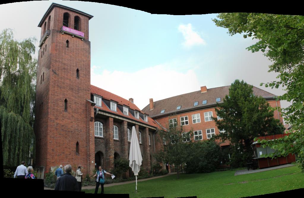 Astronomischer Stadtrundgang in Kiel mit Gudrun Wolfschmidt