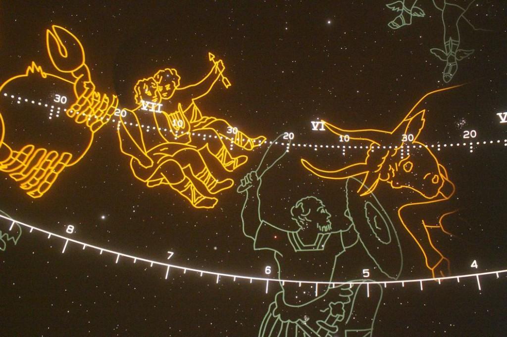 Orions Keule im Tierkreis  [Zeiss-Planetarium Königsleiten]
