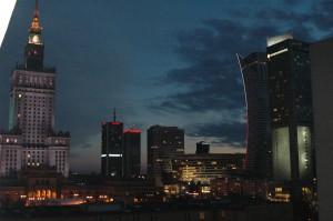 Dunkle Wolken über Warschau. Foto: Benjamin von Brackel
