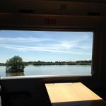 Blick aus dem Zug auf Hochwasser 2013 bei Dessau. Foto: Prof. Dr. Reimund Schwarze/UFZ