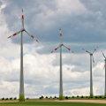 Windpark (Foto: berlin-pics/Pixelio)