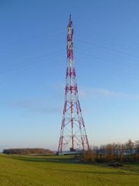 Strommast an der Elbe