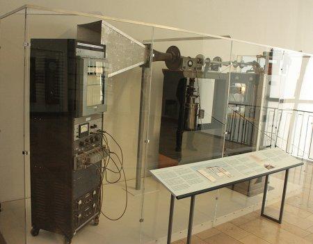 Empfangsgerät der Holmdel-Antenne im Deutschen Museum, München