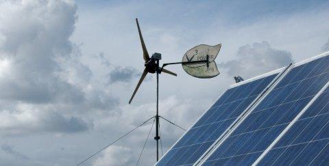 Sie stehen hier vermutlich nur, weil es ein erneuerbares Energien-Gesetz gibt. (CC-BY-NC 2.0 orangejon / Flickr)