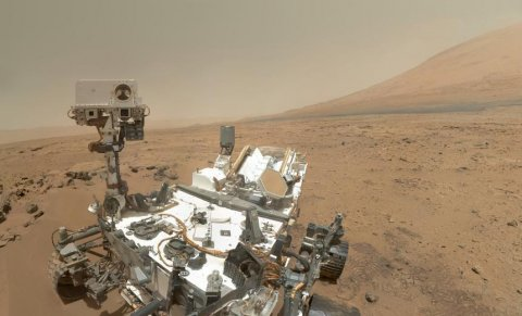 Curiosity Selbstportrait (NASA/JPL-Caltech/Malin Space Science Systems, gemeinfrei)