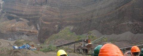 Tagebau und Helme