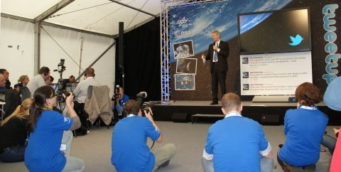 Spacetweeps lauschen Ex-Astronaut und ESA-Direktor für bemannte Raumfahrt Thomas Reiter